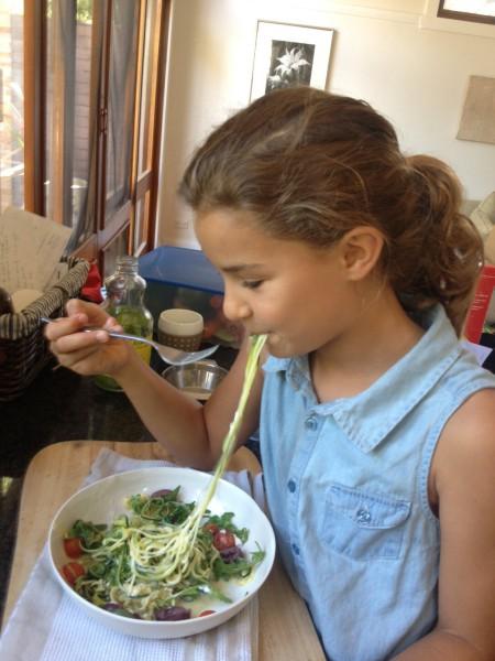 Zucchini noodle salad 5