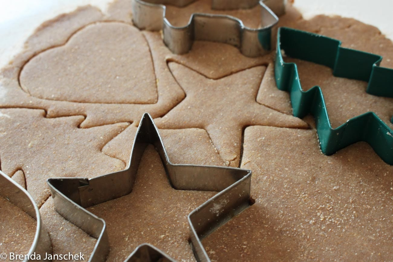 brenda-janschek-recipe-chewy-ginger-snap-cookies-shapes-jpg