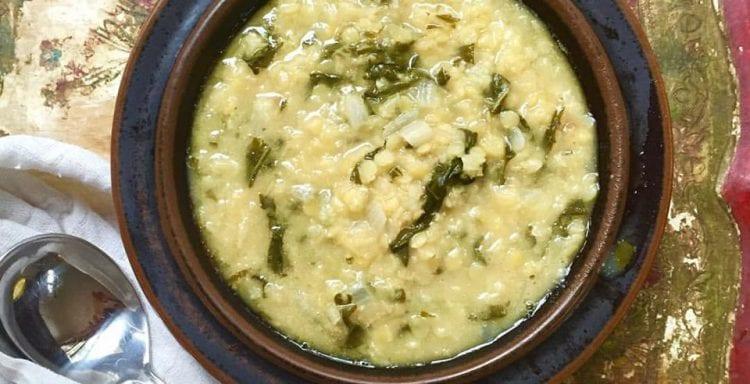 Lentil, spinach and lemon soup