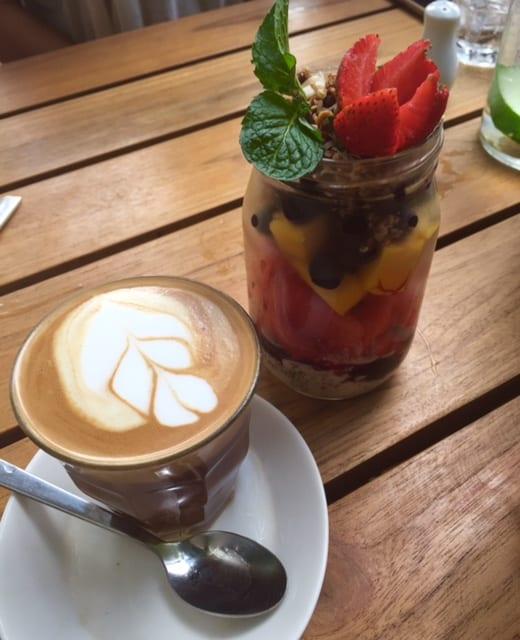 brenda-janschek-bali-cafe-organic-chia
