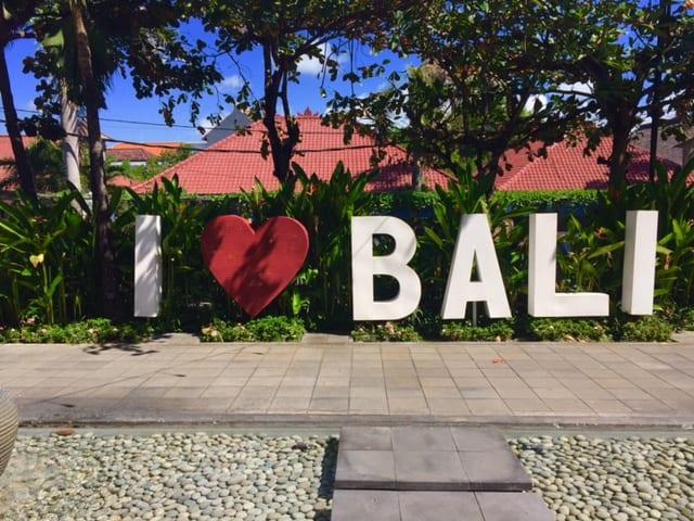 brenda-janschek-bali-love-sign