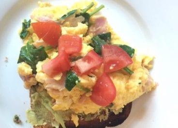 scrambled-eggs-on-toast